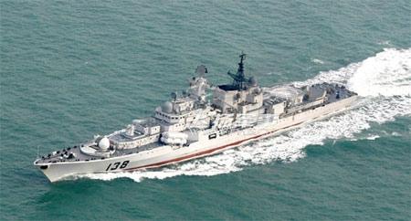 能登上中国军舰的菲律宾女人,有什么背景?